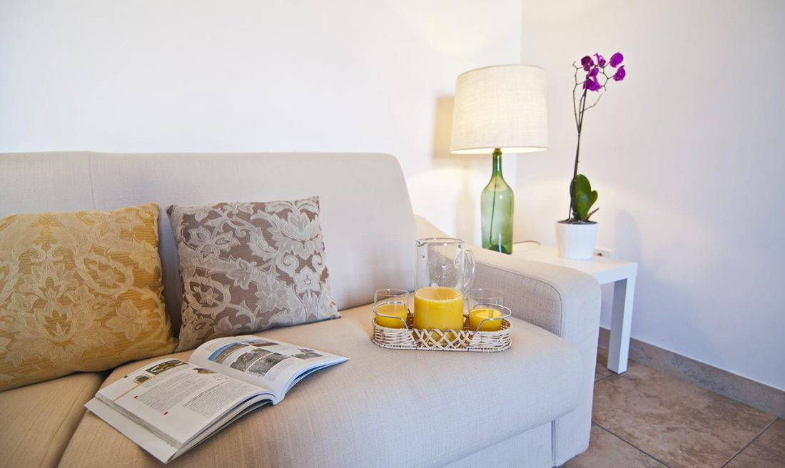 appartamento presicce don camillo casa vacanze la scisa appartamenti nel salento divano cucina