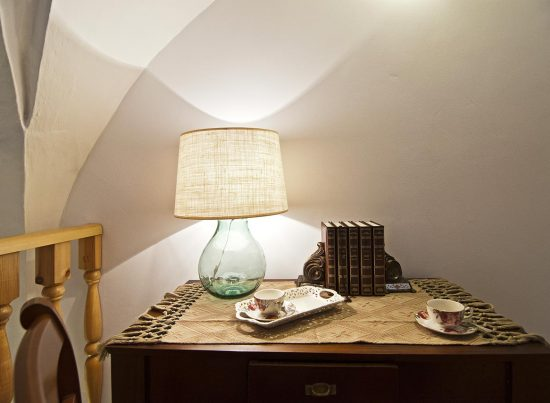 appartamento supersano rustico casa vacanze la scisa appartamenti nel salento comodino camera matrimoniale
